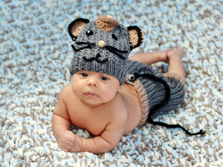 This cute newborn boy mouse outfit is great photography prop for your little baby boys. It is beautifully detailed and handcrafted, with...