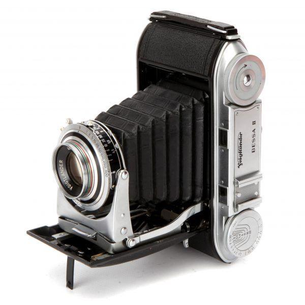 http://www.flintsauctions.com/catalogue/voigtlander-bessa-ii-rangefinder-camera/
