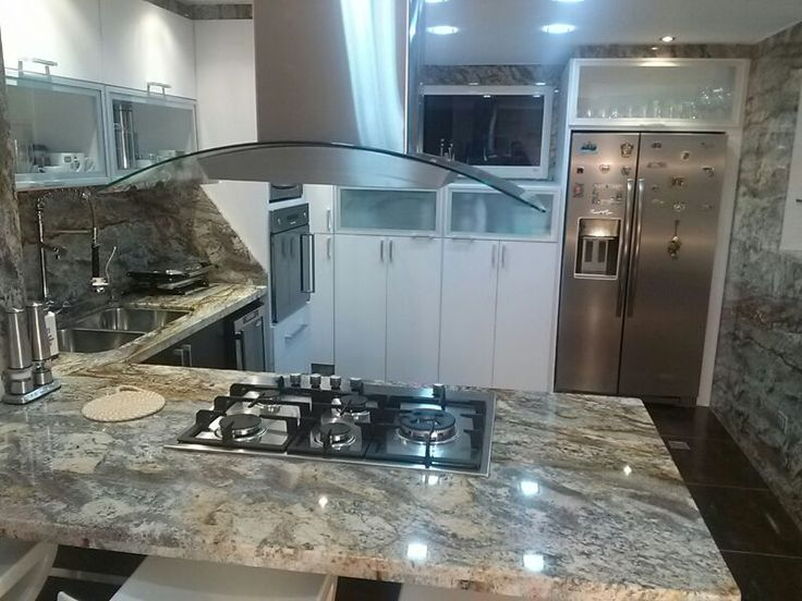 49 best images about nuestras cocinas on pinterest for Cocinas blancas con granito