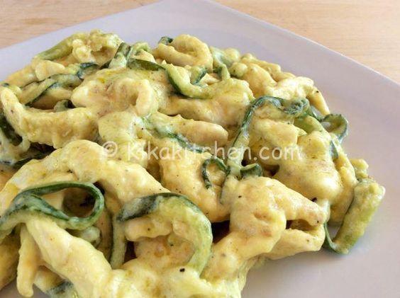 Straccetti di pollo con zucchine e crema al latte