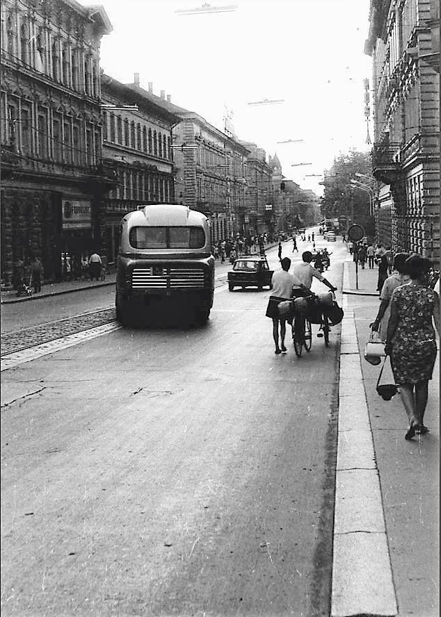 A Híd utca az 1960-as évek végén
