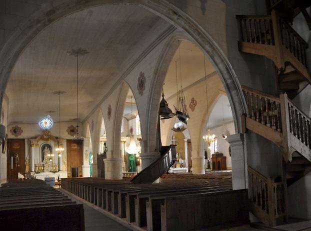 Eglise Sainte-Catherine  à la Flotte-en-Ré, nef et bas côté