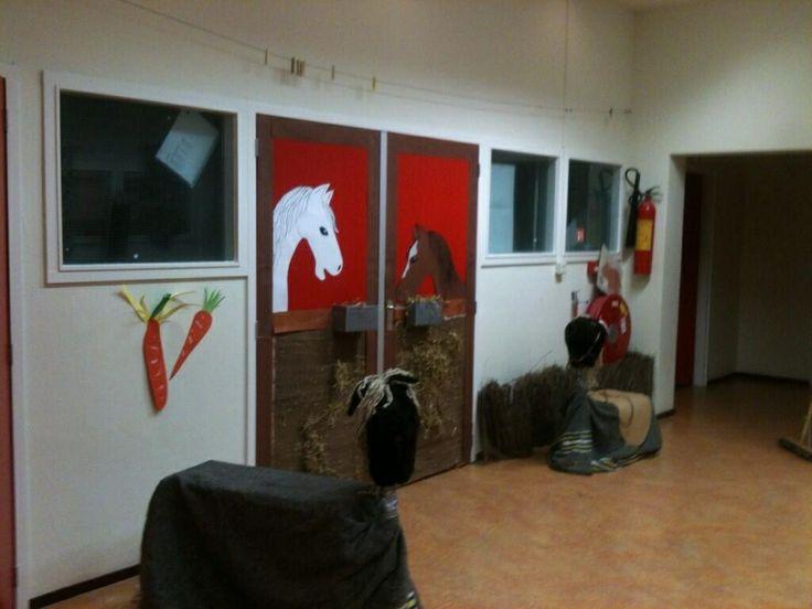 De stal van Sinterklaas, leuk voor op de deur!