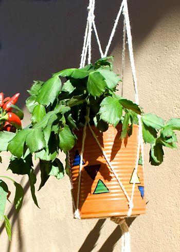 Suporte para vasos feitos em macramê simples
