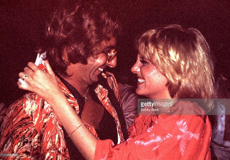 barry manilow photos new | Barry Manilow and Lorna Luft during Barry Manilow in Concert - During ...