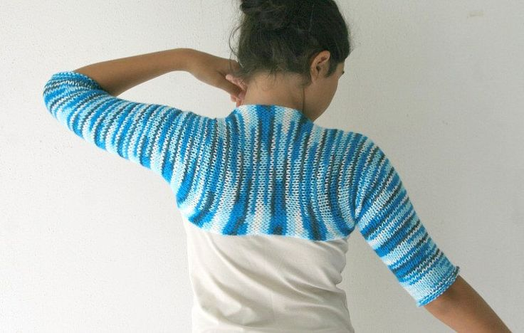 Striped Blue Shrug - Chic Elegant  Bolero - Spring Fall Winter Fashion - Teens Women Accessories -  Wedding Accessories(Etsy のForYouDesignより) https://www.etsy.com/jp/listing/124610493/striped-blue-shrug-chic-elegant-bolero