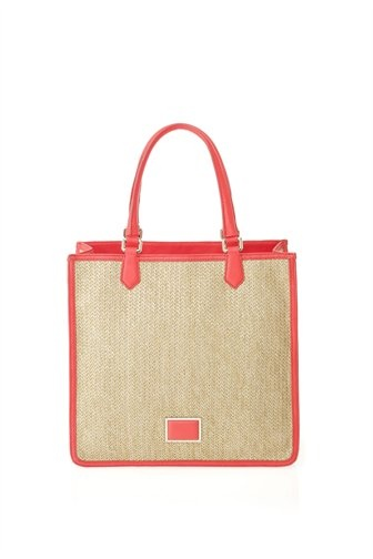 Our Sami Tote is a must have from the Spring Marc by Marc Collection. Features two top handles and Marc by Marc logo detailing.90% Natural Seagrass, 10% Polyurethane.20.75