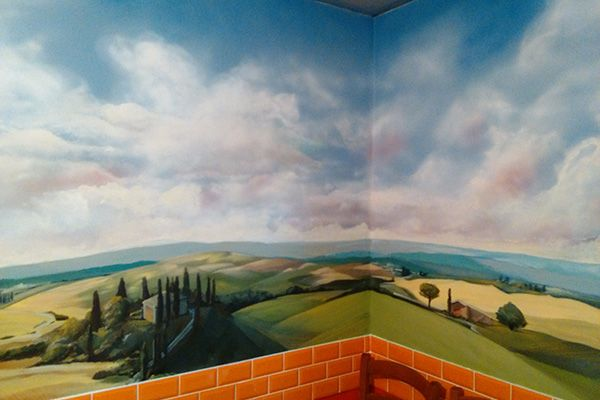 Роспись стен, оформление интерьера, декоративная отделка стен выполнена Алексеем Прошиным.