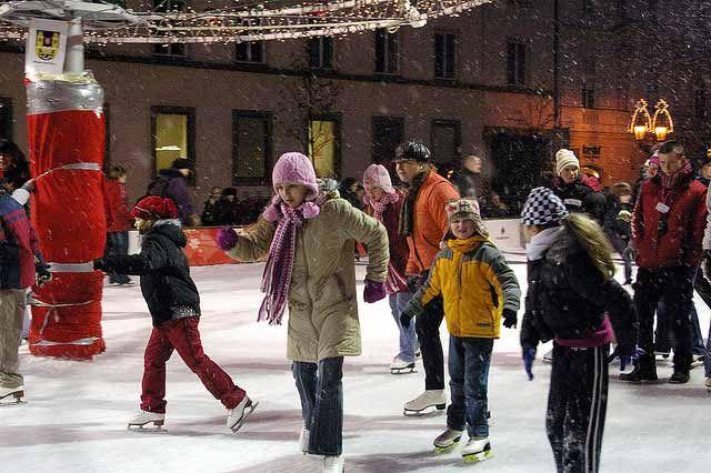 L'hiver Prague se dote de nombreuses patinoires. © Donald Judge. http://www.lonelyplanet.fr/article/10-destinations-pour-voyager-en-famille #prague #patinoire #voyage #famille