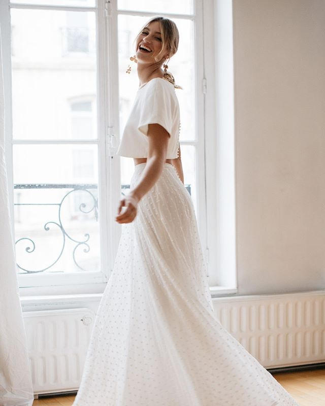 Daisy Flora Set With Its Crisp Clean Lines And Relaxed Fit The Flora Top Keeps Things Simple At The Front Wedding Dresses Nz Dresses Nz Casual Wedding Dress