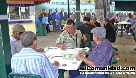 VIDEO: ¿Qué piensa la población cubano-americana acerca del futuro de Cuba?