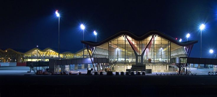 Galería de Terminal del Aeropuerto Madrid-Barajas / Estudio Lamela + Richard Rogers Partnership - 11
