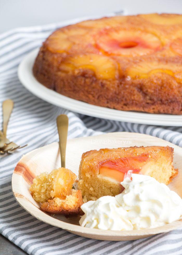 De ananas upside down cake is een Amerikaanse klassieker. Ontzettend makkelijk om te maken en de smaak van karamel met een tropisch tintje.