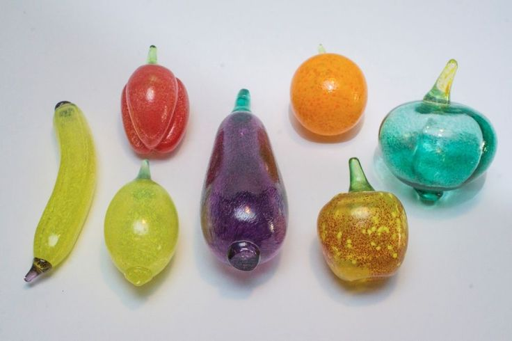 Lot of 7 - KOSTA BODA Fruit & Vegetable Sweden SIGNED Art Glass Gunnel Sahlin