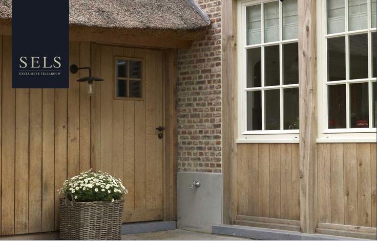 Oak boarding, doors and brick