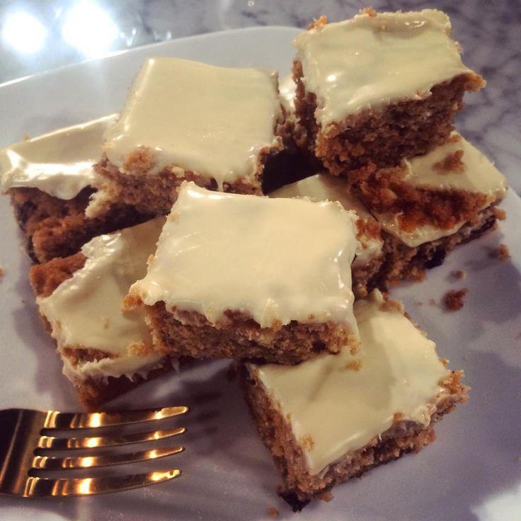 Nadiya's Christmas white chocolate traybake | Food | This Morning