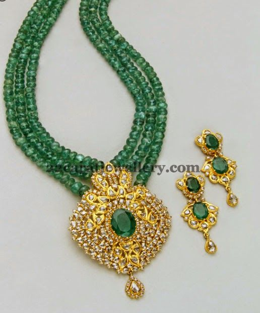 Jewellery Designs: Lovley Emerald Beads Long Chain