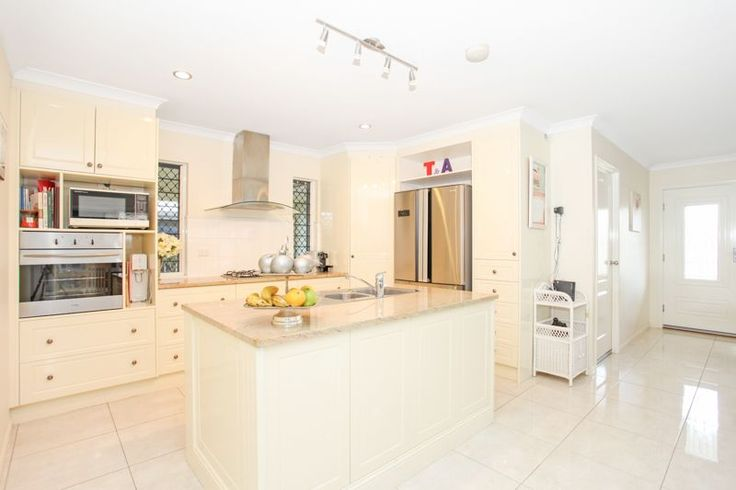 Real Estate For Sale - 13 Marjorie Street - Walkerston , QLD