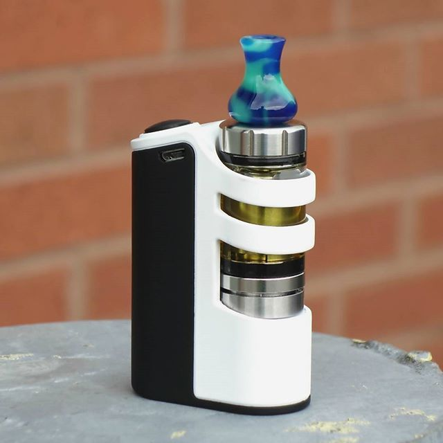 Melo 3 with the tesla stealth with Gary Disley Drip tip #vape #vapeporn…