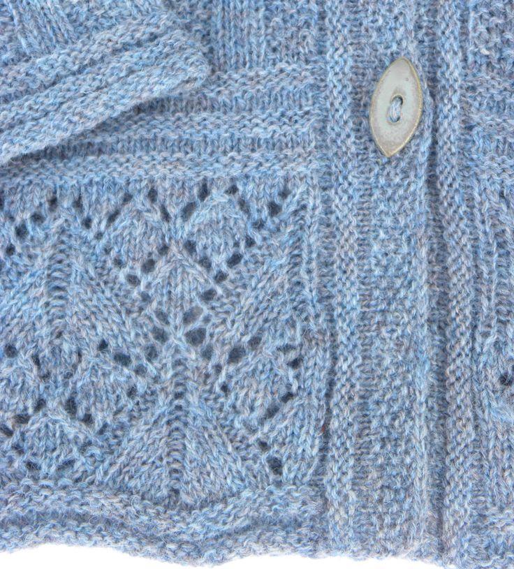 trøje med hulmønsterkant