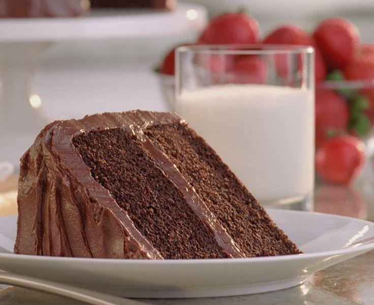 Daisy Brand Sour Cream Chocolate Cake - Daisy Brand
