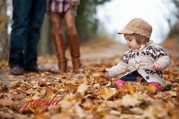 fall family picture idea | Ideas for Christie
