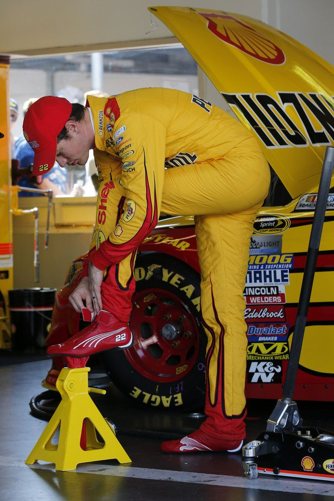 Joey Logano Photos - Daytona International Speedway - Day 2 - Zimbio