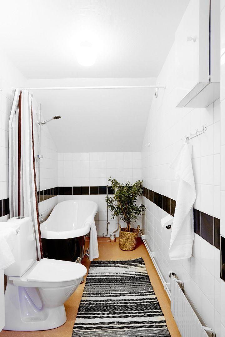 Guarda Vertical Baño:Post: Medio muro para separar el dormitorio en un estudio abierto