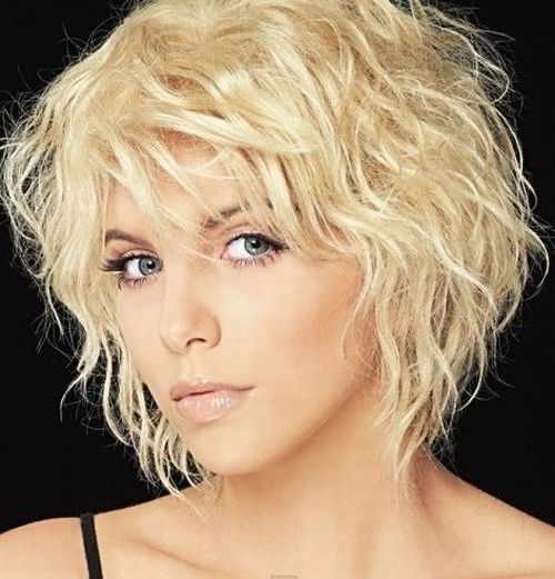 Short, wavy bob with bangs - perfect