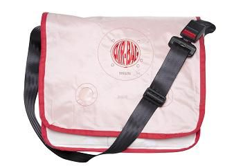#Laptopbag: 100% recycled airbags. Robust, strong bag for laptops and accessories