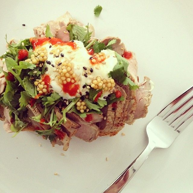 Pm snack, filet de porc asiatique, coriandre, yogourt moutardé, sriracha | Flickr: partage de photos!