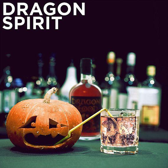 Dragon Blood avnjuts med fördel som en iskall shot men det går även att blanda drinkar utöver det vanliga. Här samlar vi recept.