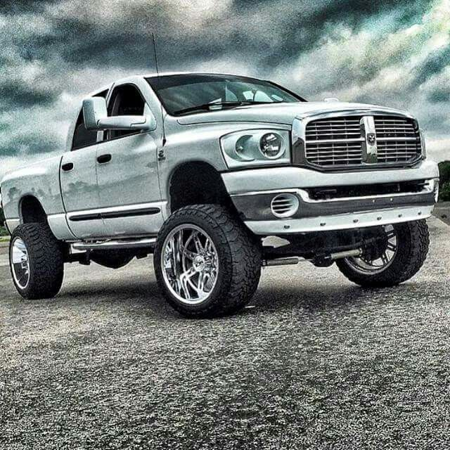 Images of Lowered 3rd Gen White Dodge Dually - #rock-cafe