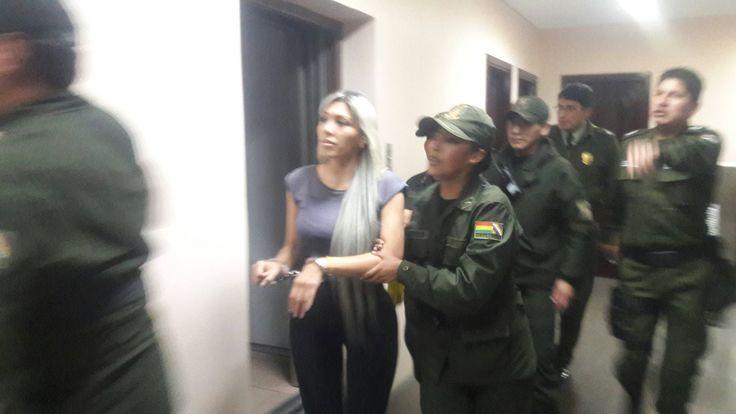 Comisión que investiga contratos de CAMC tomará declaración a Gabriela Zapata en penal | Radio Panamericana