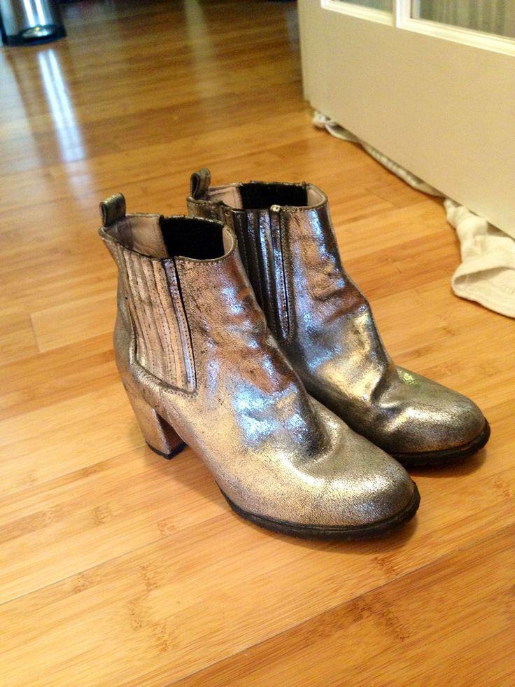 Langley Fox Loves Leather Jackets, Loathes Heels - Langley Fox's Coco + Penelope silver ankle boots.