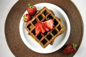 Yummy Nutella waffles ... for breakfast, brunch, or dessert.  Nutella waffle sundae, anyone?