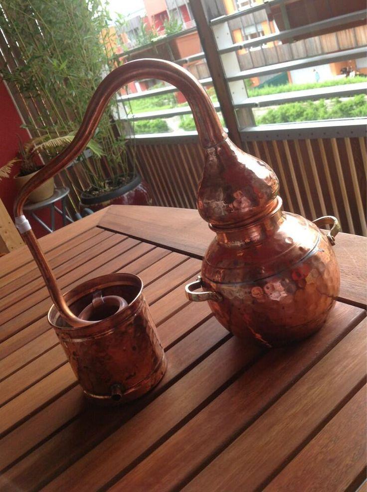 www.viviincampagna.it - Uno dei nostri alambicchi in rame ideali per la distillazione di olii essenziali, erbe, vinacce.