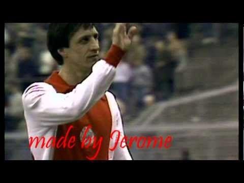 A video about one of the greatest football players ever; Johan Cruijff. Songs: 1=Ludovico Einaudi - On, 2= Vivaldi - Summer (presto), 3= Ludovico Einaudi = ...