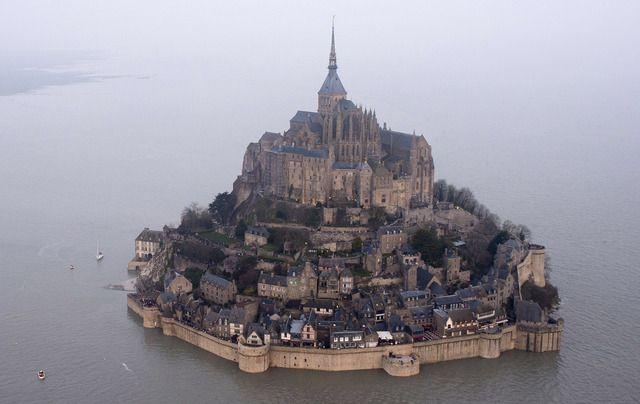 Západní pobřeží Francie je svědkem výjimečných přílivů a odlivů