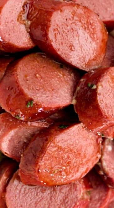Kielbasa Appetizer With Apple Jelly and Mustard ❊