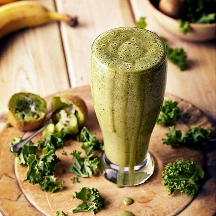 Kale & Kiwi Smoothie:  40g (four yellow scoops) of Vanilla Protein World Slender Blend 1 kiwi 1/2 banana Handful of kale 150ml water Ice cubes