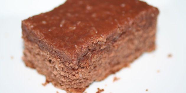 """""""Den du ved nok""""-kage med det lækreste fyld på toppen."""