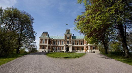 Chateau Häckeberga http://www.historichotelsofeurope.com/en/Hotels/chateau-hackeberga.aspx
