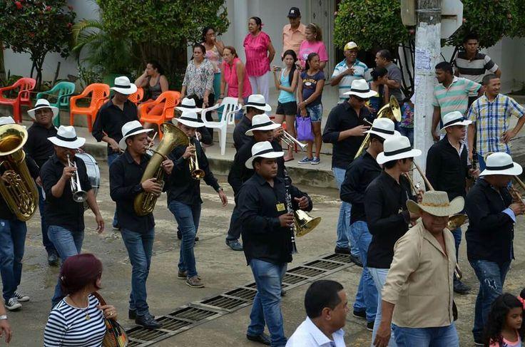 Primer lugar categoría Mayores en Festival Nacional del Porro en San Pelayo 2016, la Banda 6 de Agosto de Baranoa, Atlántico. Segundo lugar San Juan de Caimito, Sucre y tercer lugar la Reina de Reinas de Rabolargo, Cereté.