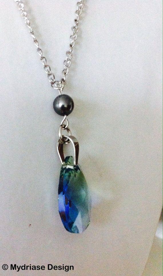 Chaîne en acier inoxydable avec pendentif en cristal de swarovski et perle de swarovski
