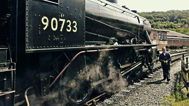 War Department Austerity 90733 at Keighley