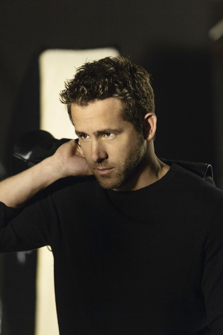 Photo shoot with Ryan Reynolds for Men Expert