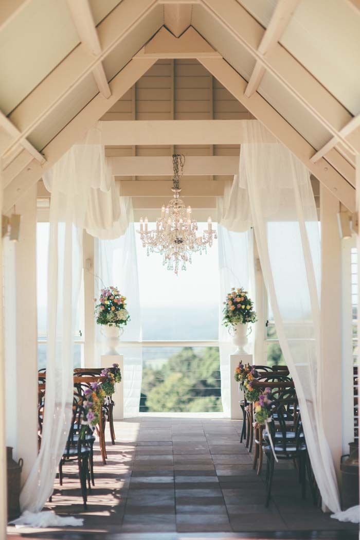 A Pastel Country Manor Wedding in Queensland on www.modernwedding.com.au // Photography: Artography Styling: Lovebird Weddings