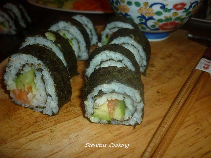 dianitas cooking: Σούσι με Σολομό!!!! (Sushi)