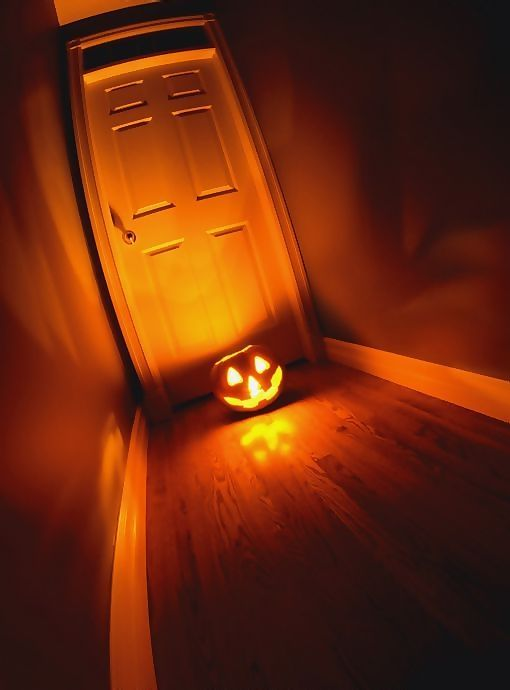 8 best AHHHHHH images on Pinterest   Halloween labels, Black and ...